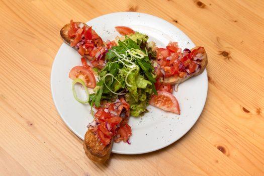 Forsthaus Ofenfrisches Knoblauchbrot Tomate